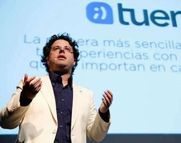 """Chris Gran durante su ponencia """"De User Experience a Customer Experience"""""""